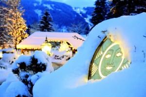 Hoteleinfahrt - Winter
