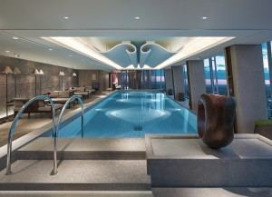 Shangri-La Hotel, At The Shard, London_Sky pool