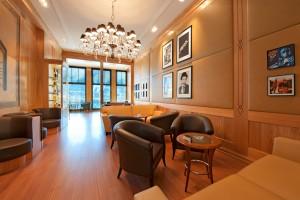 miles-davis-lounge-1_3