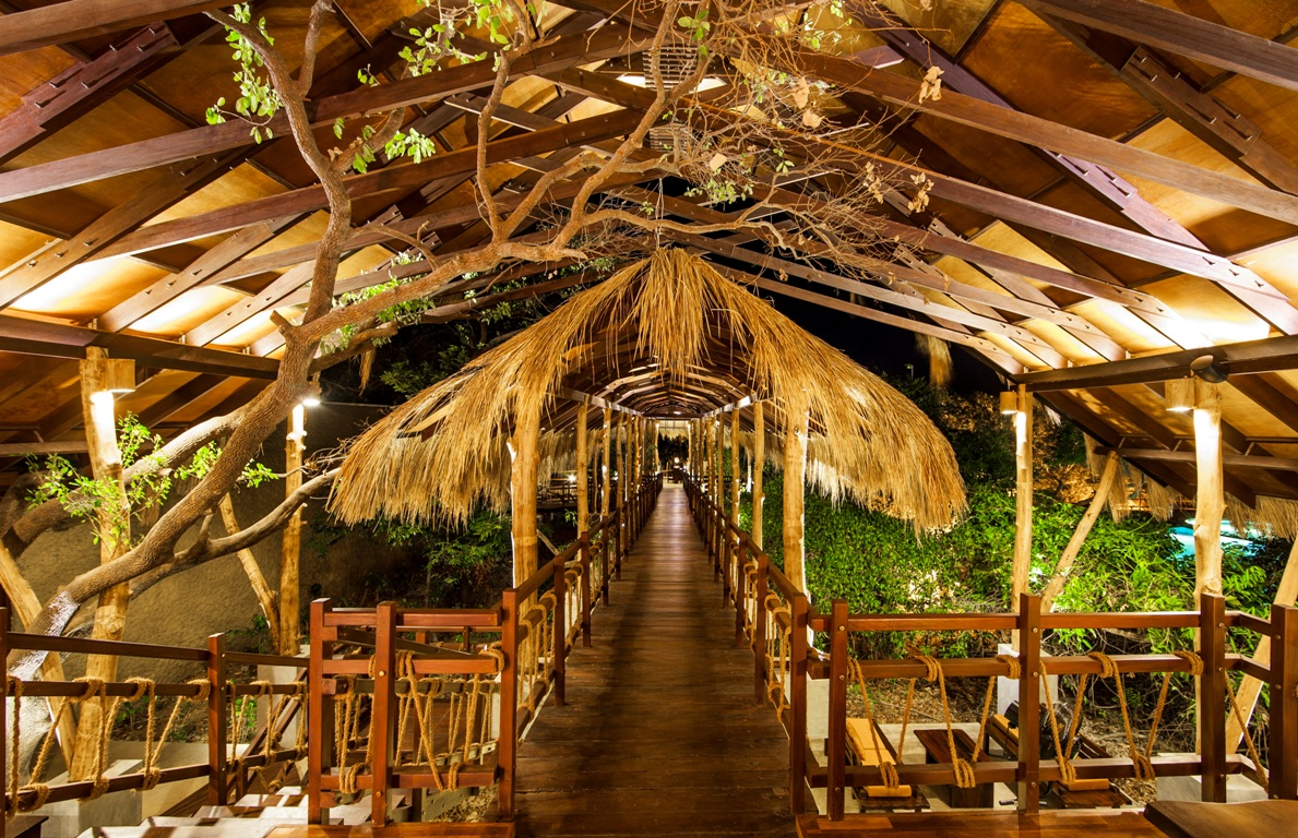 uga-jungle-beach-elevated-walkways_www
