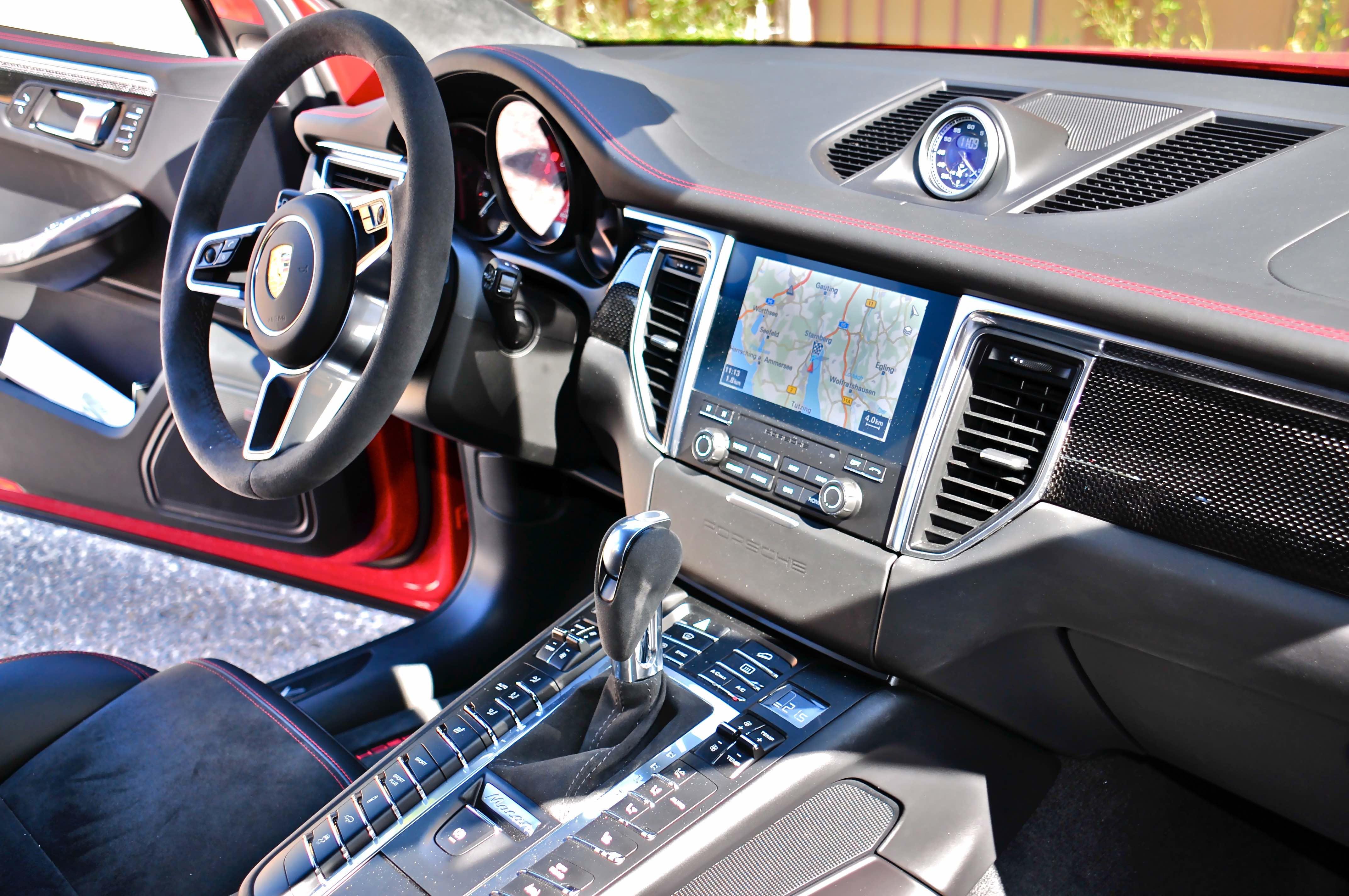 Porsche Macan: Pilot am Steuer